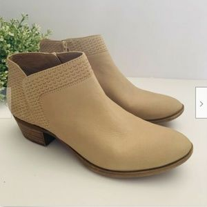 Lucky Brand Brintly Ankle Boootie Light Beige